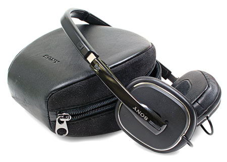 Sony MDR-NC40 noise canceling headphone with case.  Photo courtesy of Sony.